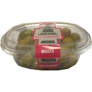 Olives vertes farcies aux amandes poivron